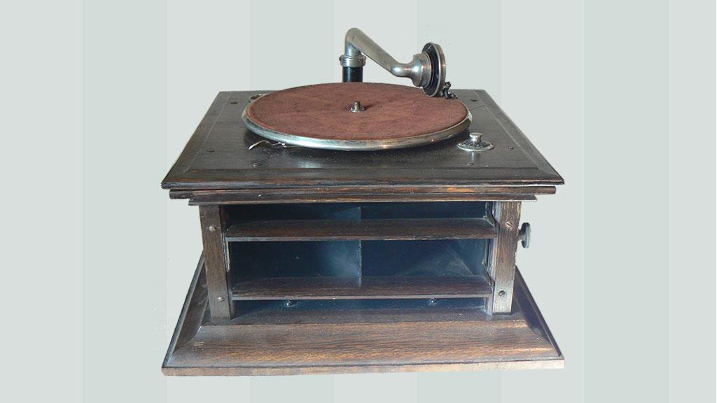 Columbia 'Hornless' gramophone
