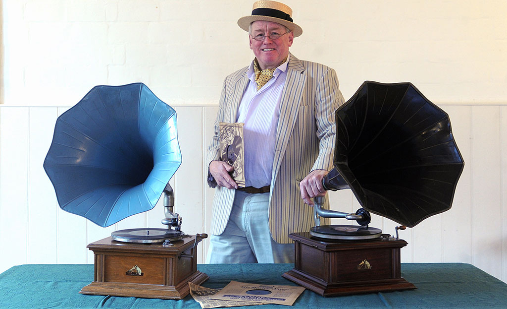 Tracksonwax: vintage music for your wedding, birthday party, tea dance or garden party.